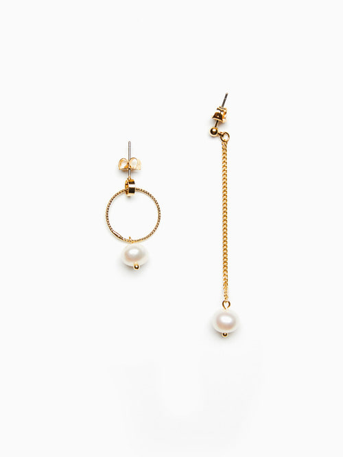 UNBAL GOLDEN PEARL EARRINGS